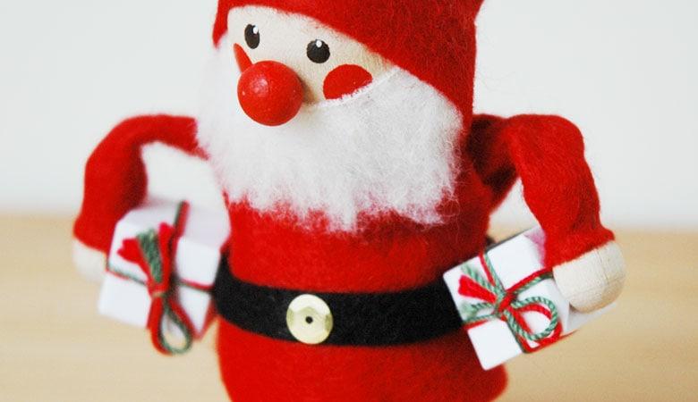 エストニアのハンドクラフトのサンタクロース・プレゼントのオブジェ,置物,北欧エストニア,北欧雑貨,北欧インテリア,北欧ギフト