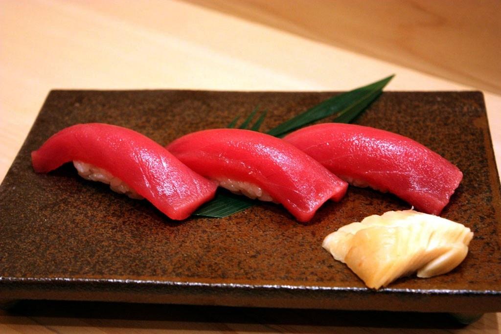 まぐろ赤身握り寿司1