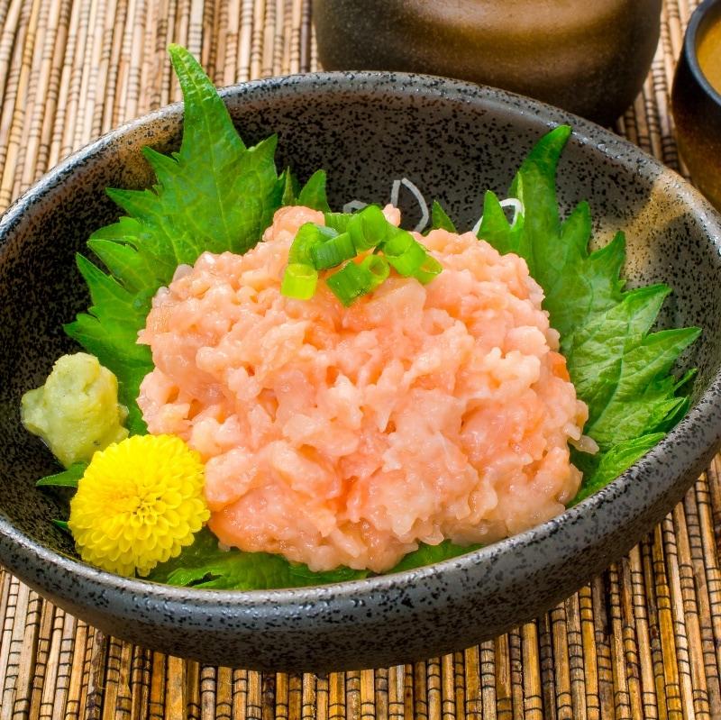 サーモンネギトロ 小鉢アップ