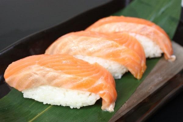 トロサーモン握り寿司
