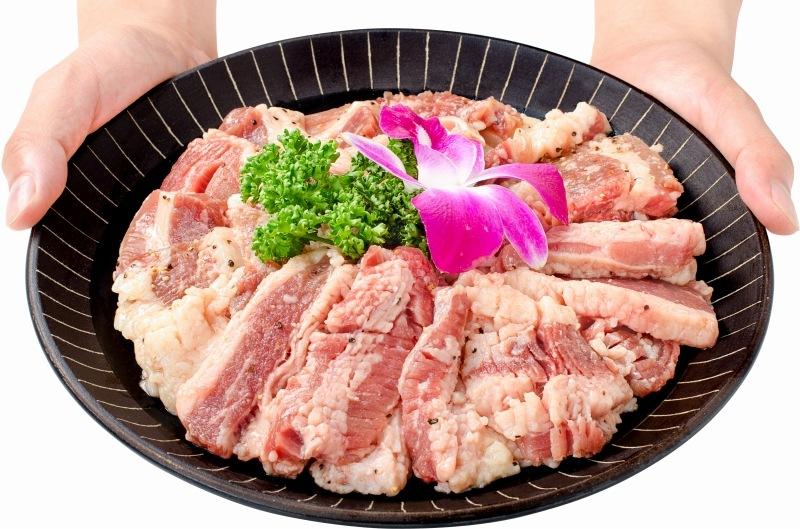塩ダレ牛カルビ焼肉 6