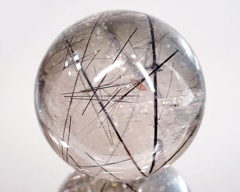 天然石:ブラックルチル スフィア(画像現物)