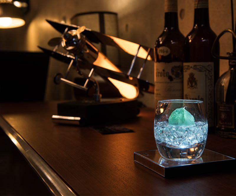 写真の商品:グリーンフローライト - LED Lamp -