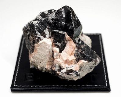 黒水晶 (モリオン) 原石 No.33