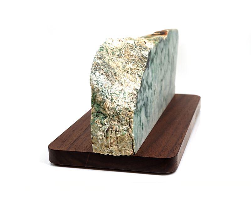 木製台座素材:ウォールナット