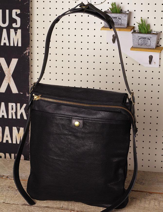 パンチング 馬革 ショルダーバッグ メンズ IRREGULAR 71670 ブラック
