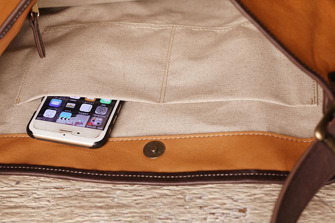 ショルダーバッグ メンズ 薄マチ縦型 ディアスキン風ソフト仕上げ 牛革ステア TIPI 71771 内ポケット1