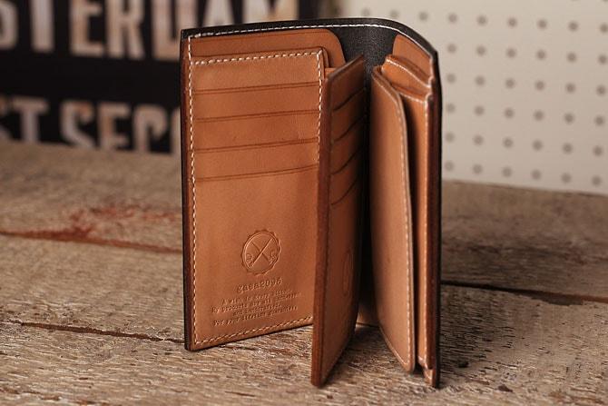 手縫い ヌメ革 二つ折り メンズ 財布 ミドルウォレット 栃木レザー 追加カード入れ表