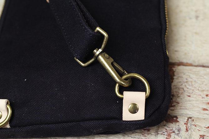 ブラック コーマ帆布 ボディバッグ メンズ 薄マチ grn 1006 ショルダーベルト接続部