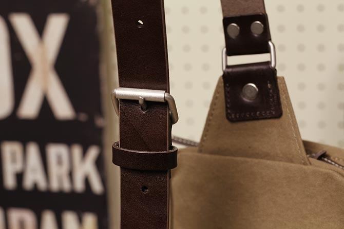 ハンプの縦型ボディバッグ メンズ バギーポート grn 1504 ショルダーベルト