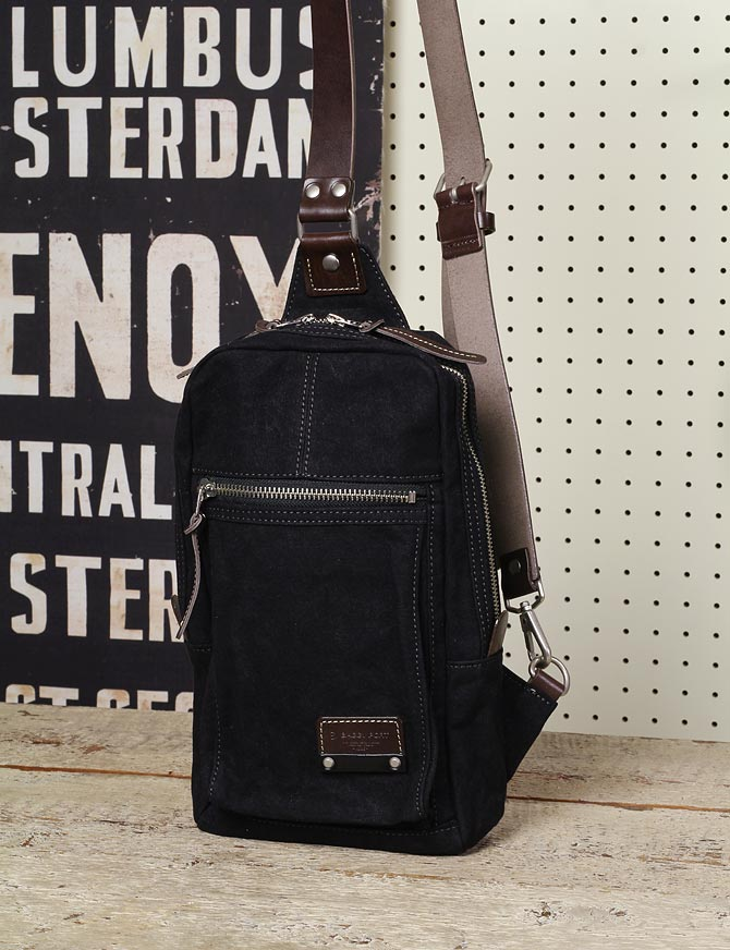 ハンプの縦型ボディバッグ メンズ バギーポート grn 1504 ブラック