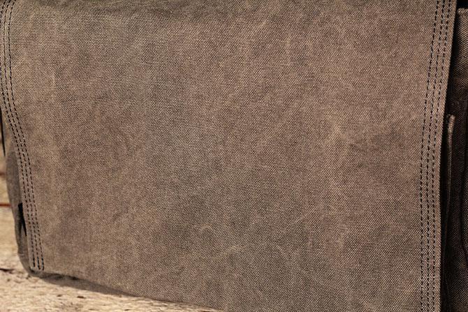 かぶせショルダーバッグ 備長炭染めハンプ バギーポート kon 2061 ブラウン素材アップ