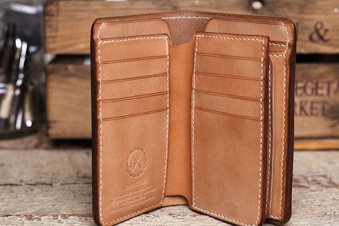 手縫い ヌメ革 二つ折り メンズ 財布 ミドルウォレット 栃木レザー 追加カード入れ1