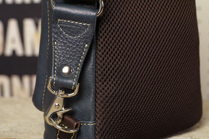 オイルレザー ボディバッグ メンズ Pray prbb003 A5 ショルダーベルト金具