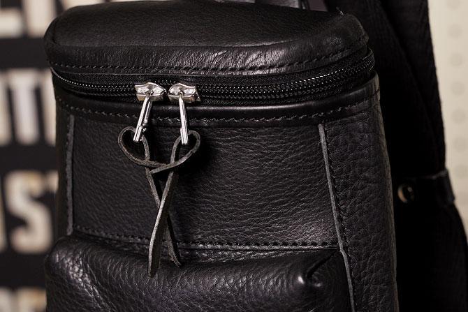 オイルレザー ボディバッグ メンズ Pray prbb003 A5 ブラック素材