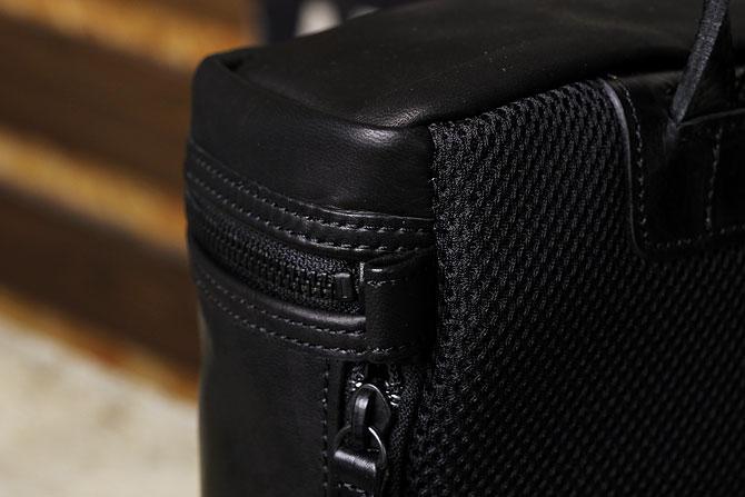 馬革 ボディバッグ 縦型 メンズ オイルホースレザー Pray prbb302 B5 間口側面