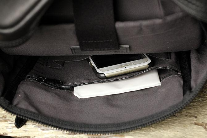 馬革 ボディバッグ 縦型 メンズ オイルホースレザー Pray prbb302 B5 内ポケット