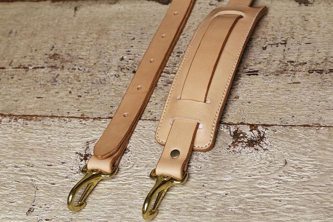 手縫い ヌメ革 ショルダーベルト ショルダーパッド付き 真鍮ナスカン