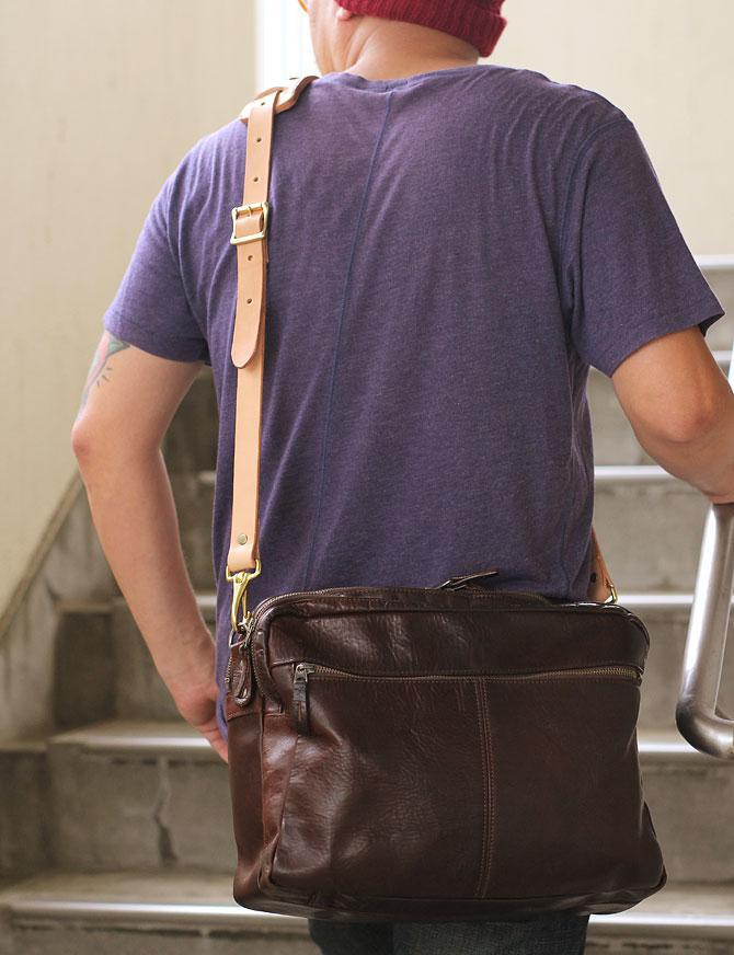 手縫い ヌメ革 ショルダーベルト ショルダーパッド付き バッグに取り付け1