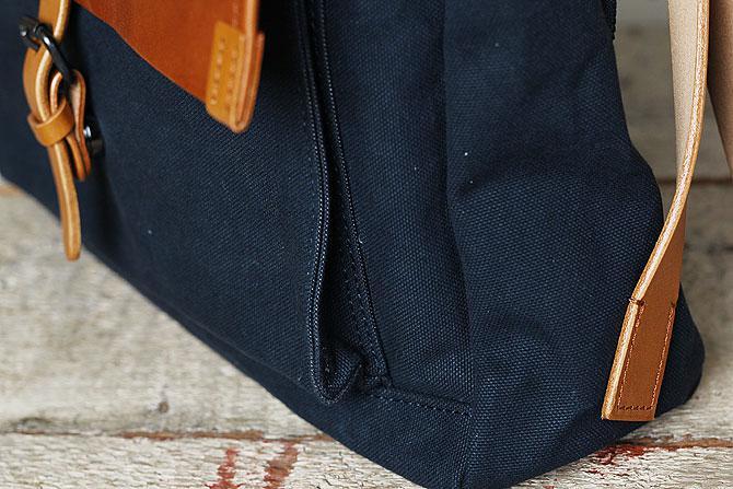 メンズ リュックサック 6号帆布×オイルバケッタ革 バギーポート tepp 460 ネイビーバージョン 側面