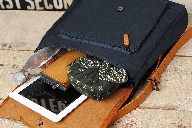 メンズ リュックサック 6号帆布×オイルバケッタ革 バギーポート tepp 460 ネイビーバージョン 収納1