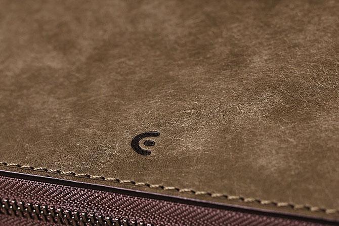 レザー 二つ折り財布 イタリアンレザー zys 2402 グレー素材感