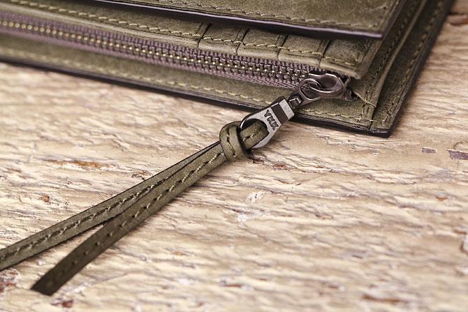 レザー 二つ折り財布 イタリアンレザー zys 2402 ジッパー引手
