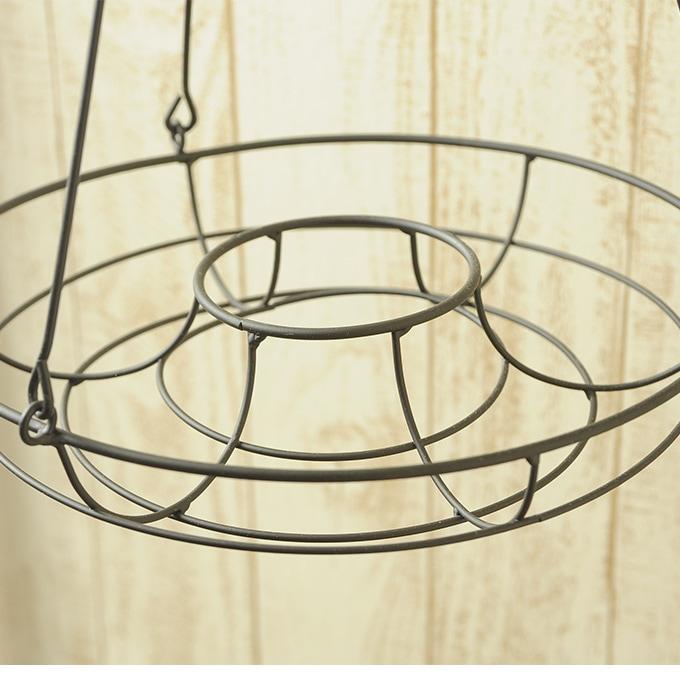 ハンギングアイアンリース 28cm  吊り下げ プランター台 インテリア オブジェ ガーデニング ディスプレイ 木板 おしゃれ カフェ 花台