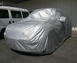 車用の養生シートを活用して車を守る!