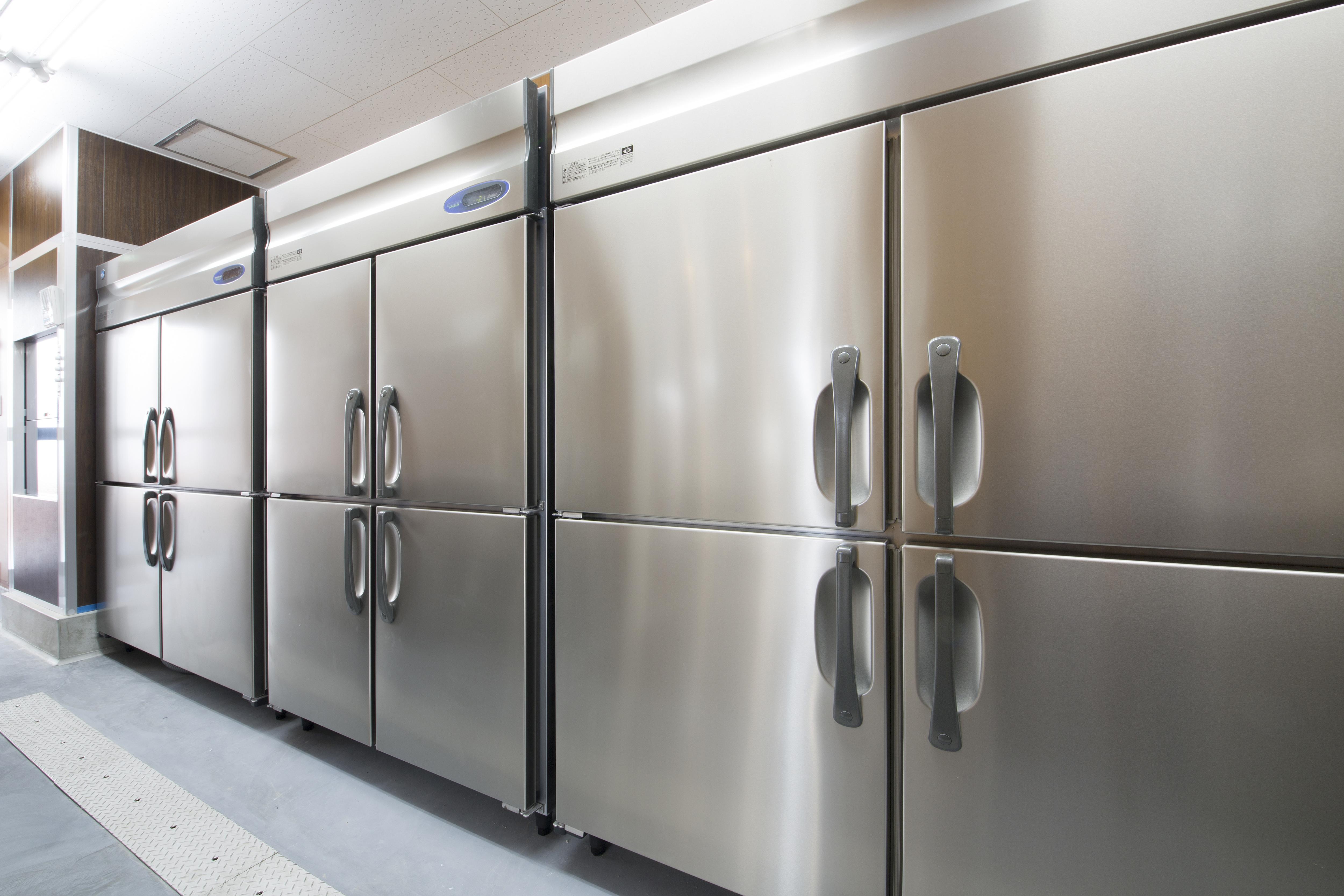 業務用冷蔵庫の寿命は何年?買い替えのタイミングや選び方を紹介