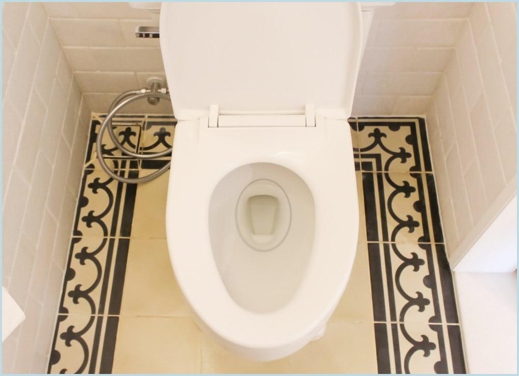 トイレのサボったリングを抑制します