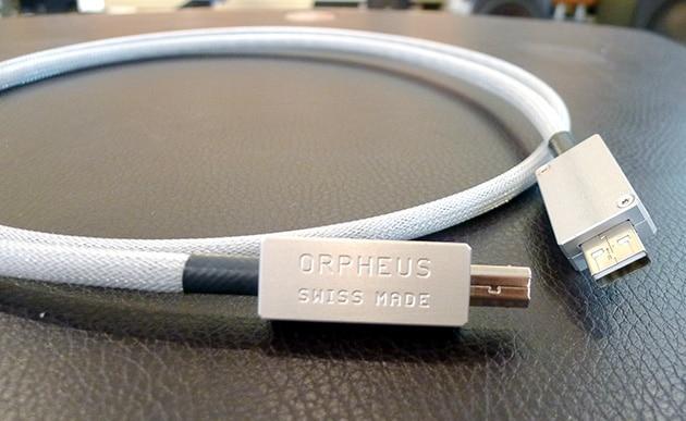 Khloe USB