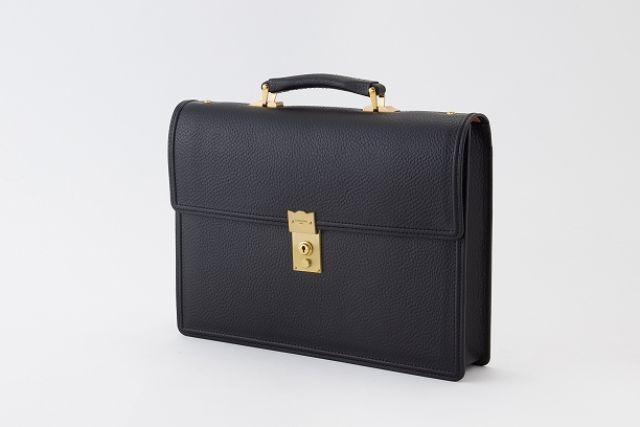 高級牛革靴を使用したビジネスバッグ