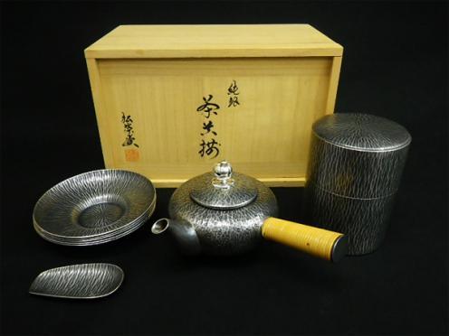 名古屋市にて茶道具・煎茶道具の抹茶茶碗・急須・茶器などを買取り