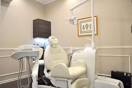 サクレクールデンタル様 診療室 セーブルの軟質磁器