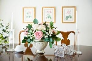 ルドゥーテのバラの絵を飾った部屋