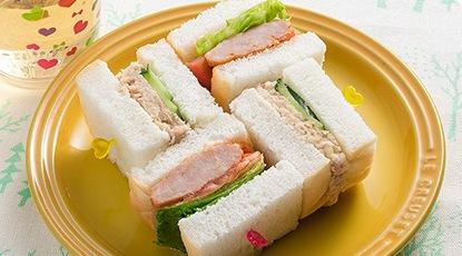 ハンバーグサンド&ツナマヨ風サンド
