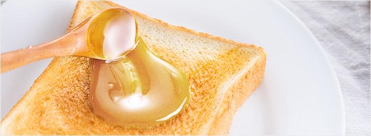 カナダ産パンにぬるおいしいはちみつ