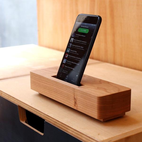 【スマートフォン専用】木製スピーカースタンド