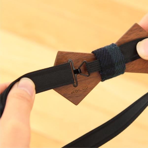 装着とサイズ調節が簡単に出来る蝶ネクタイ