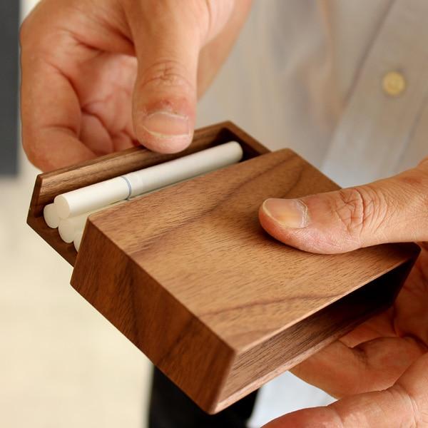 スライド式が気持ちい木製タバコケース