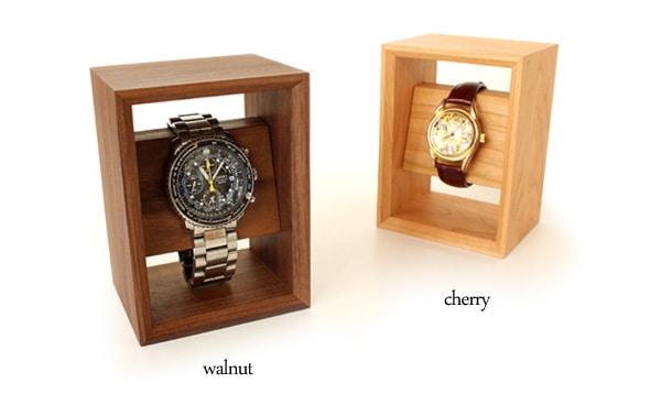 チェリー・ウォールナットの高級木を使用した腕時計スタンド