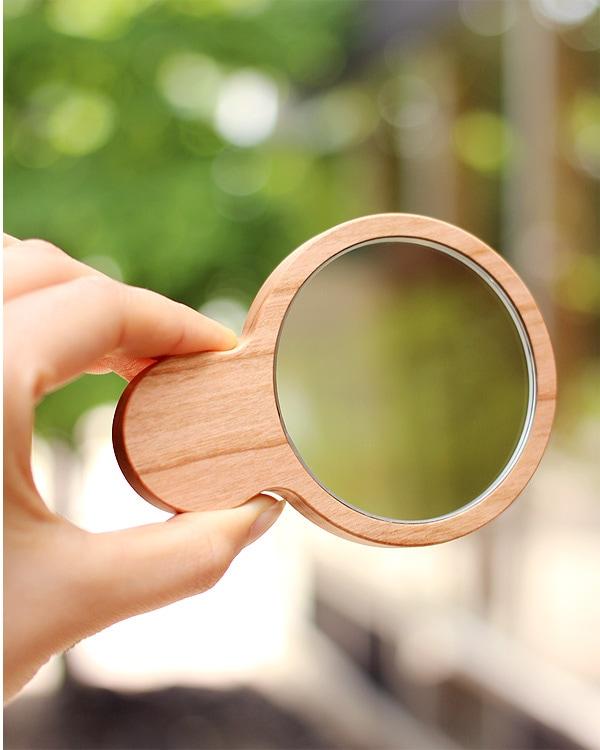 小さくてかわいい木製手鏡・コンパクトミラー