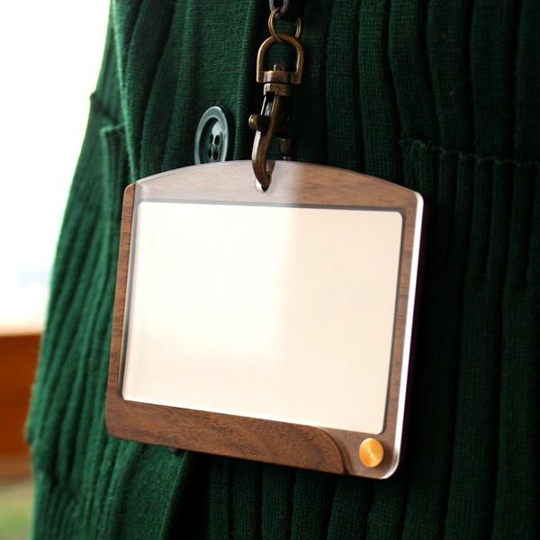 木製IDケース・IDカードホルダー、社員証・定期入れに「ID-CardCase(ヨコ型)」