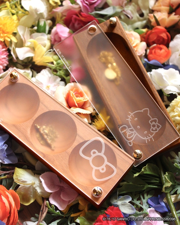 ハローキティの刻印がかわいい木製ジュエリー・アクセサリーケース
