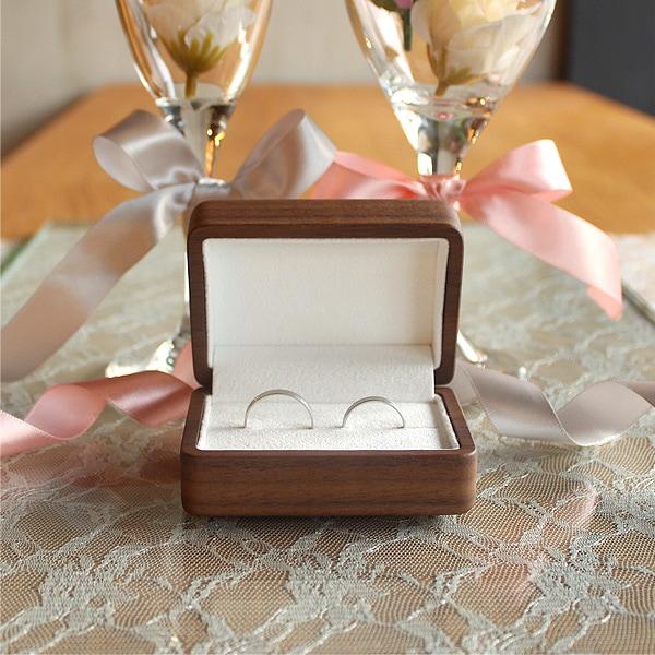 サプライズプロポーズや誕生日プレゼントに心のこもった贈り物ギフトを。