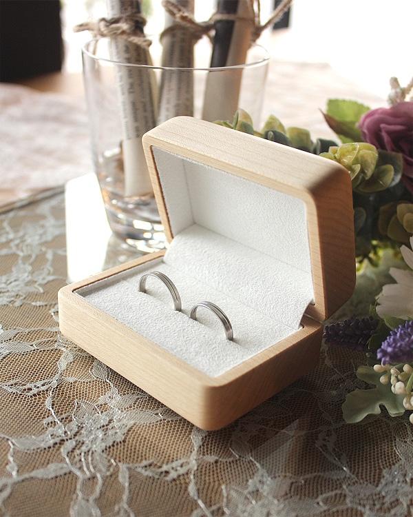 二人の指輪を引き立てる格調高いペアリングケース「Pair Ring Case」