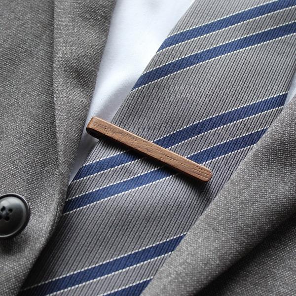 【ノーマルモデル】手触りのよい木製ネクタイバー「Tie Bar」はこちら