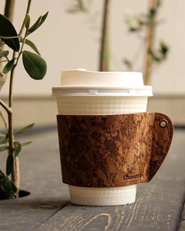 コルクレザーのおしゃれなコーヒーカップスリーブ「CONNIE Coffee Cup Sleeve」