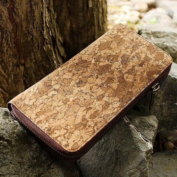 ジッパー仕様の大容量な長財布「CONNIE Zip Round Wallet」